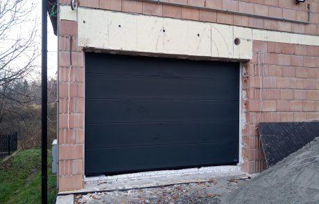 Brama garażowa segmentowa Novoferm antracyt