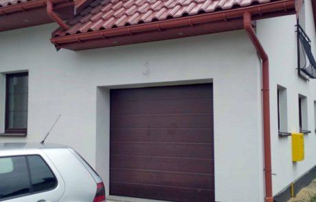 Brama Garażowa segmentowa Novoferm mahoń